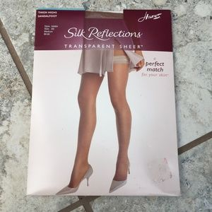 Hanes Silk Reflections Sheer Sandal Thigh Highs
